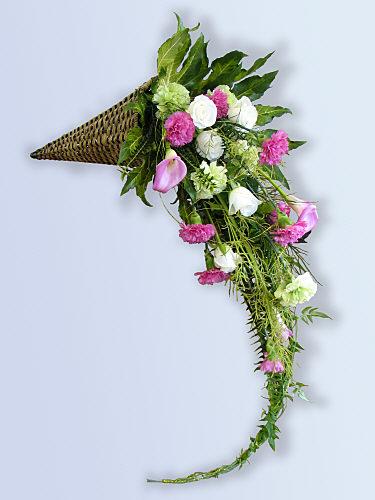 FLOWER ARRANGING BY CHRISSIE HARTEN - DESIGN 253 - A CASCADE OR ...