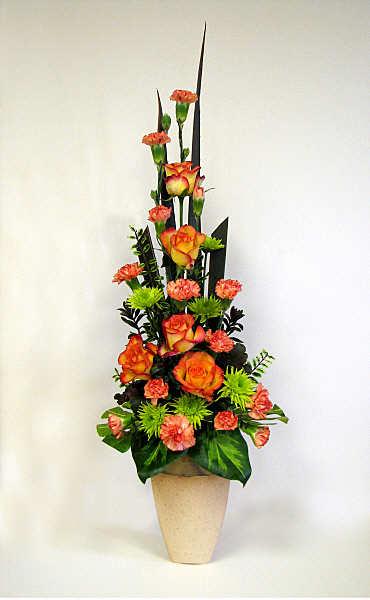 FLOWER ARRANGING BY CHRISSIE HARTEN DESIGN 268