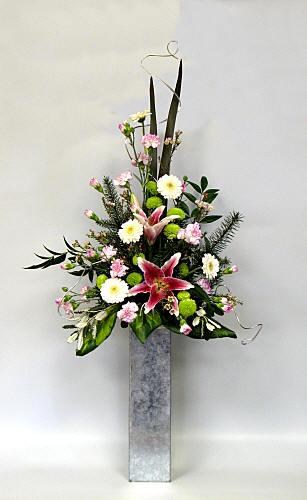 Flower Arranging By Chrissie Harten Design 276
