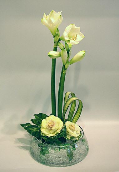 Flower arranging by chrissie harten design 338 for Fleurs amaryllis bouquet