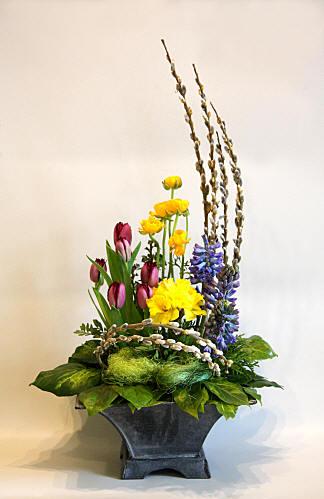 FLOWER ARRANGING BY CHRISSIE HARTEN DESIGN 352