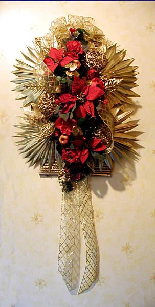 FLOWER ARRANGING BY CHRISSIE HARTEN - CHRISTMAS ARRANGEMENTS